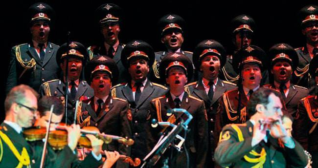 Kızıl Ordu Korosu'ndan müzik ziyafeti