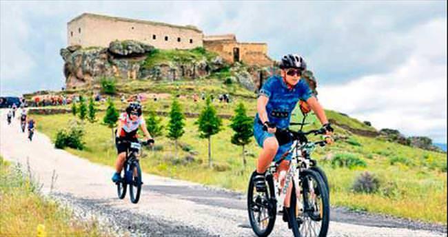 Çocuklara ve gençlere 900 bisiklet dağıtılacak