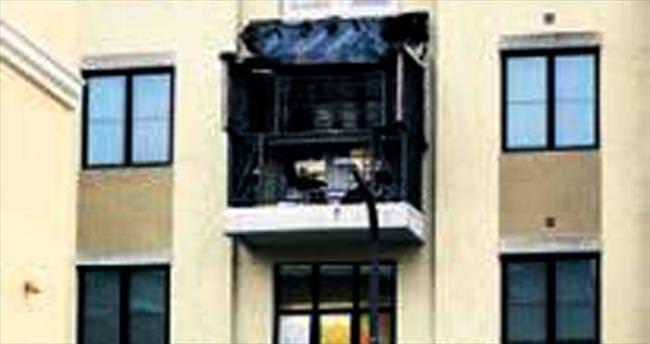 ABD'de balkon çöktü 6 öğrenci öldü