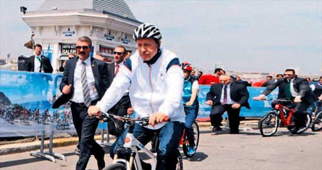 Bisikletini Rizespor'a hediye etti