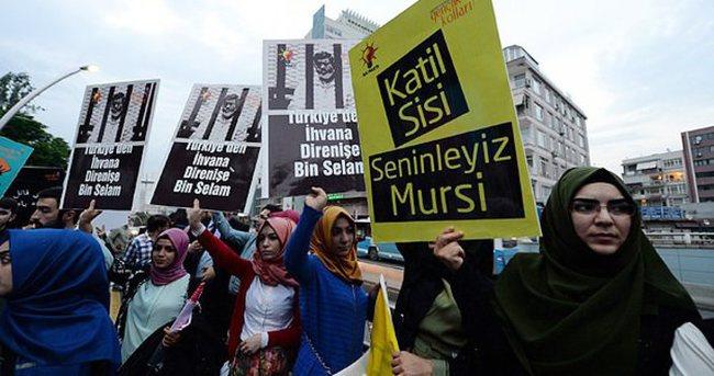 Mursi'ye idam kararı İstanbul'da protesto edildi