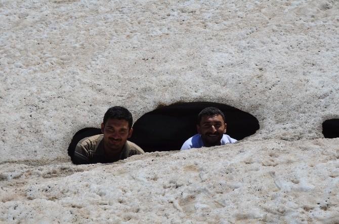 Sason-der Üyeleri Zoveser Dağı'na Tırmandı
