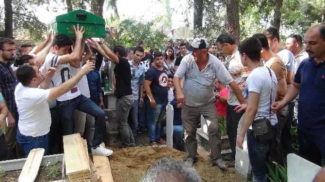 Atsak Ailesinin Cenazesinde Gözyaşları Sel Oldu