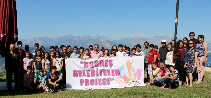 Öğrenci Ve Öğretmenlerden Başkan Uysal'a Teşekkür