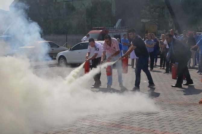 Sağlık Çalışanlarına Yangın Eğitimi