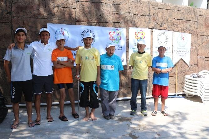 Türkiye Sakatlar Derneği'nden Engelli Gençlere Yüzme Kursu