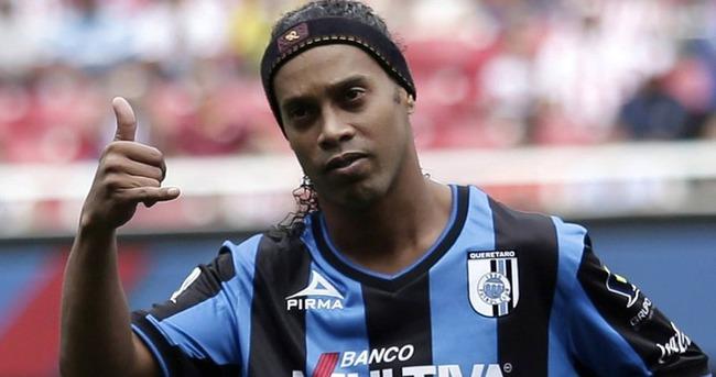 Ronaldinho'dan transfer açıklaması