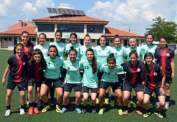 Muratpaşa'nın Kızları Grup Şampiyonu