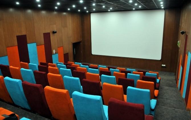 Varsak Sinema Salonuna Kavuştu