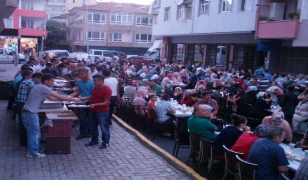 İstanbul Devrekliler Derneği'nden İftar Programı