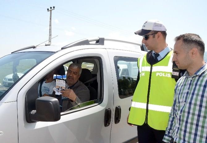 Sarıkamış'ta Trafik Ekiplerinden Sürücülere Ramazan Uyarısı