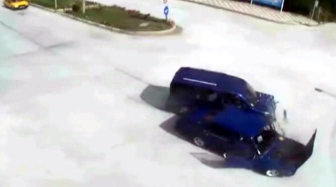 (Özel Haber) Sürücülerin Dikkatsizliği MOBESE Kameralarında
