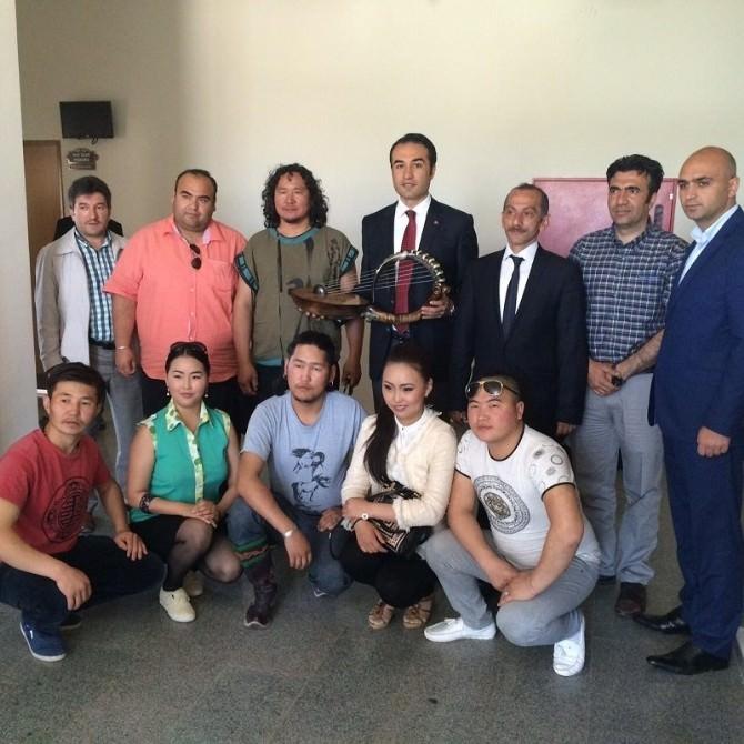 Altay Çangı Ekibinden Çat Kaymakamına Ziyaret