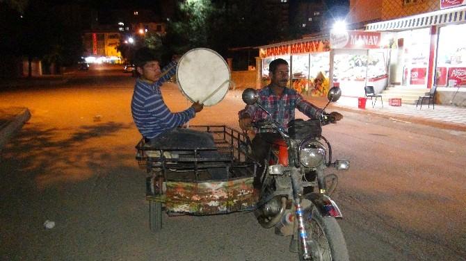 Batman'da Motorlu Ramazan Davulcuları İş Başında