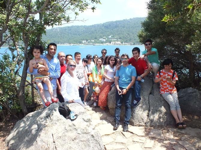 Çinli Turizmciler Kemer'de