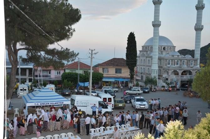 Efeler Belediyesi İlk İftarını Eğrikavak Mahallesi'nde Verdi
