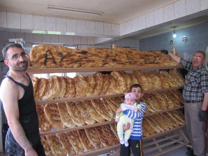 Hisarcık'ta 2 Metrelik Ramazan Pidesi