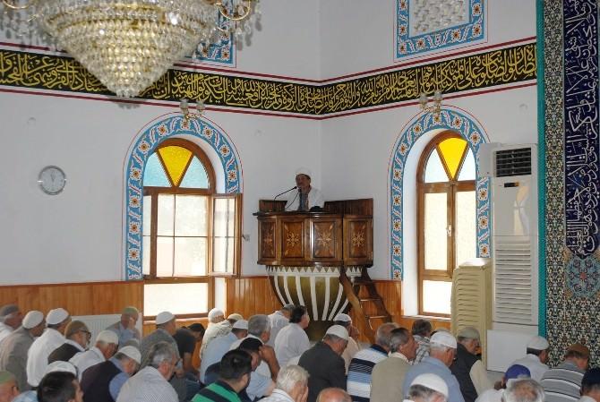 Mudanya'da Ramazan Ayının İlk Cumasında Camiler Doldu Taştı