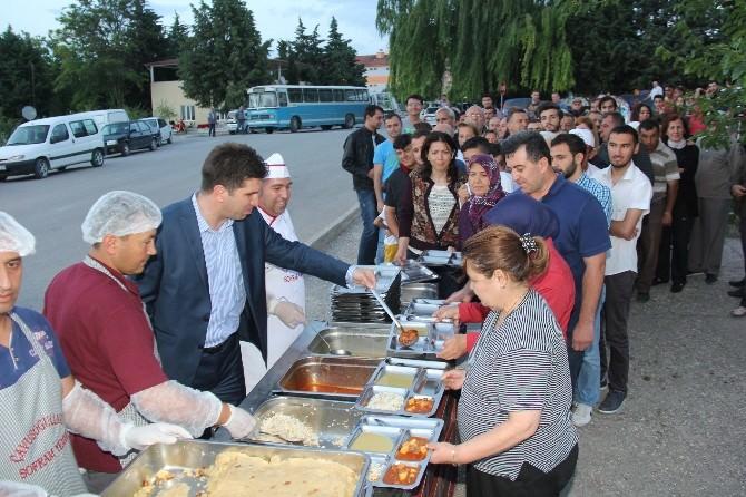 Burdur Belediyesi'nden Her Gün Bin Kişilik İftar Sofrası