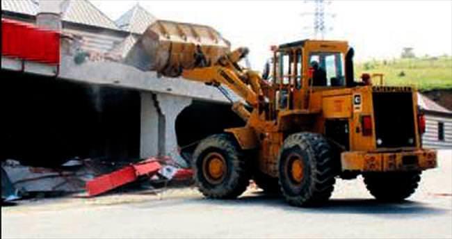 Beytepe köyünde kaçak yapı yıkımı