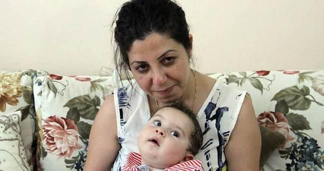 Bebeğine ömür biçilen annenin feryadı