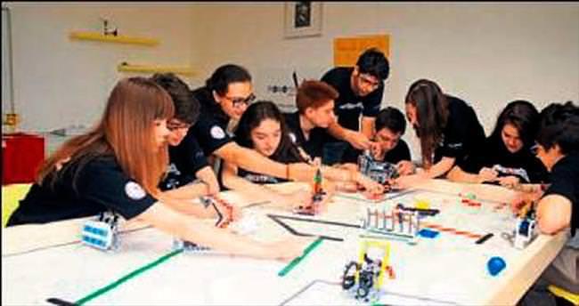 TAKEV öğrencileri ABD'de ödül kazandı