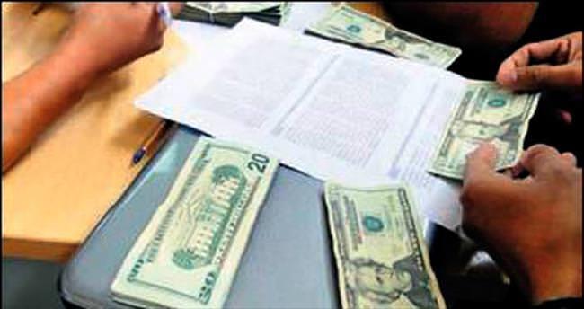 Bulduğu 60 bin doları iade etti