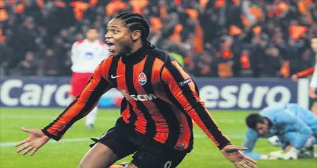 Forvette samba! Luiz Adriano 'evet' dedi