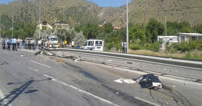 Çöp kamyonu devrildi: 2 ölü