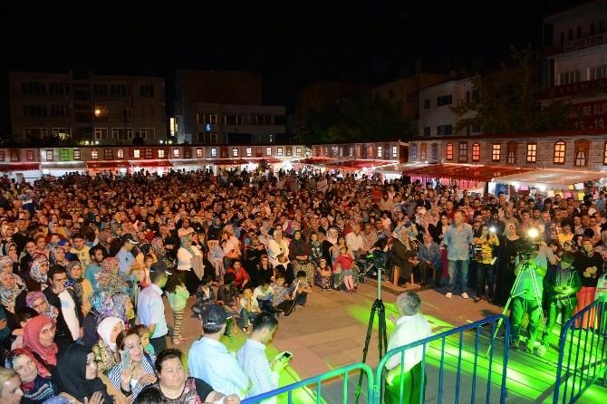 Ramazan Sokağı İkbal Gürpınar İle Doldu Taştı