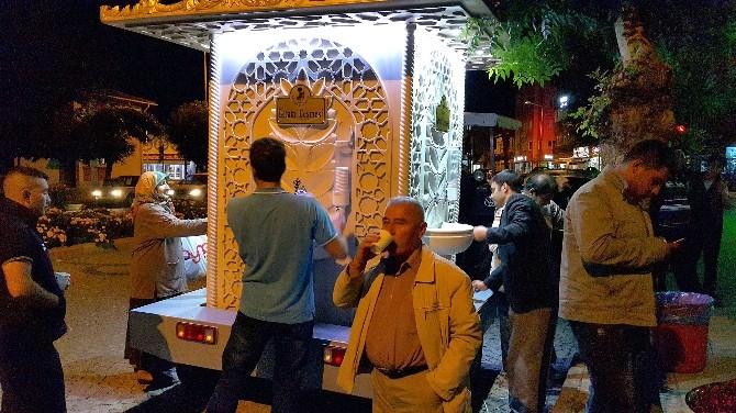 Akşehir Belediyesi İkram Çeşmesi'nden Limonata Ve Şerbet Akıyor