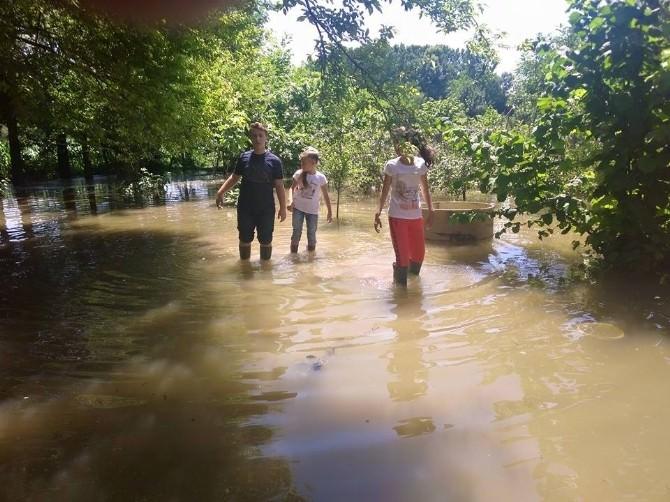 Erenler'de Su Baskınları Mağdur Etti
