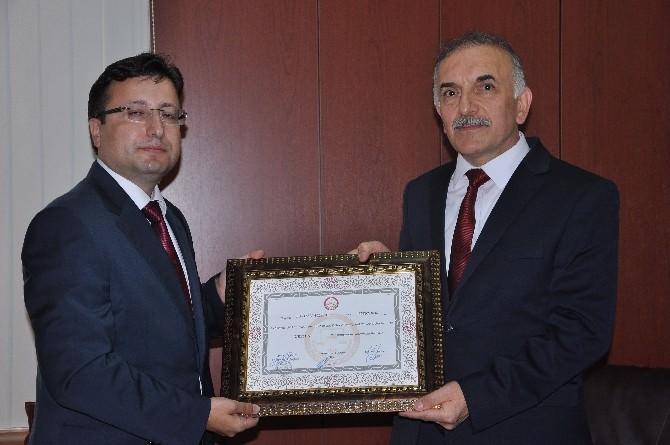AK Parti Giresun Milletvekili Turhan Alçelik Mazbatasını Aldı