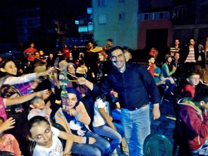Kozcağız'da Hacivat Karagöz Oyunu İlgiyle İzlendi