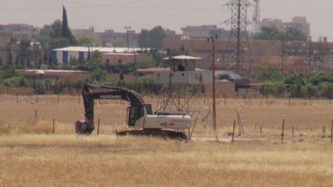 Nusaybin Sınırına Hendek Kazılıyor