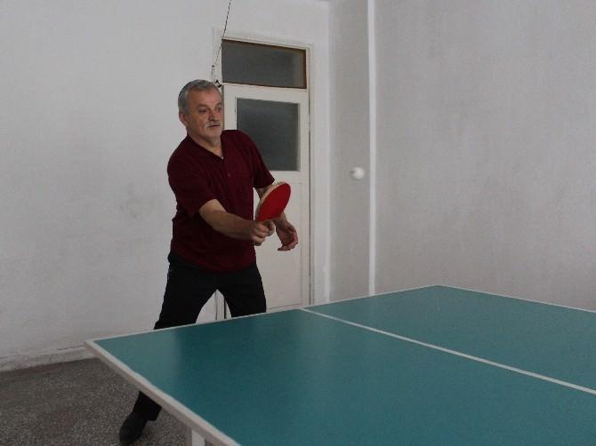 İş Hanı Esnafının Masa Tenisi Tutkusu