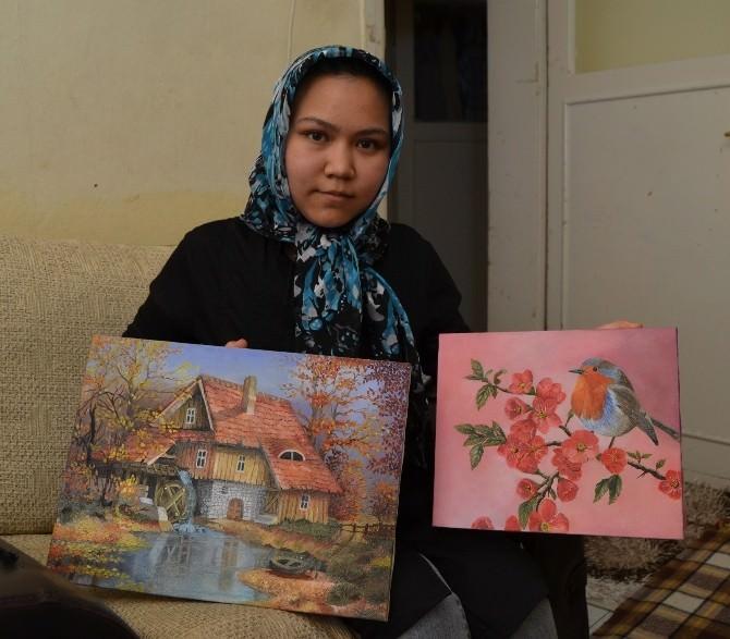 Afganlı Ressam Kızın Hayali