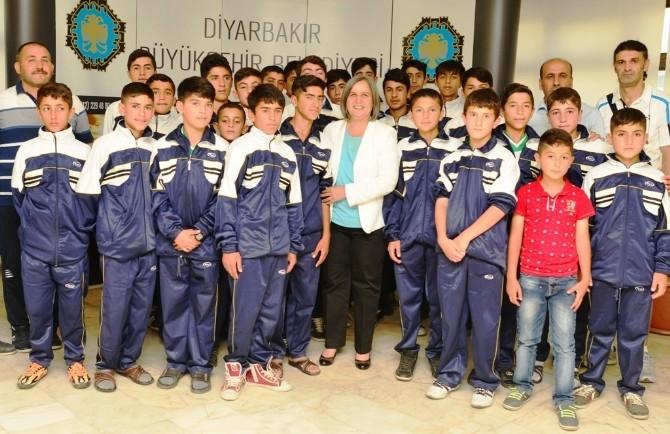 Erciş Belediye Spor U-13 Futbol Takımı Bölge Birincisi Oldu