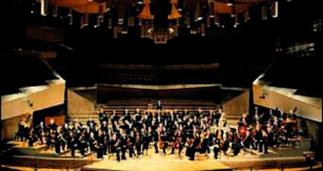 Berlin Filarmoni'ye utangaç şef