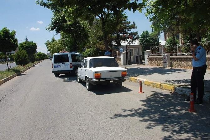 Adıyaman'da Plakasız Otomobil Polisi Harekete Geçirdi