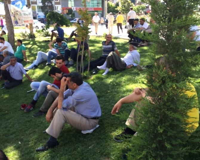 İzzetpaşa Meydanı Dinlenme Yeri Oldu