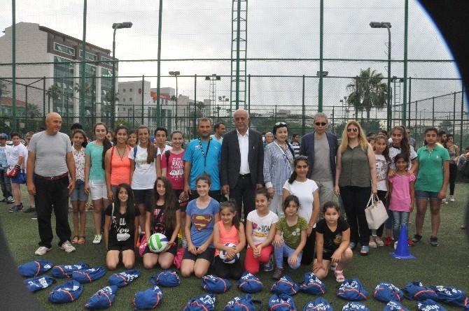 İskenderun'da Yaz Spor Okulları Açıldı