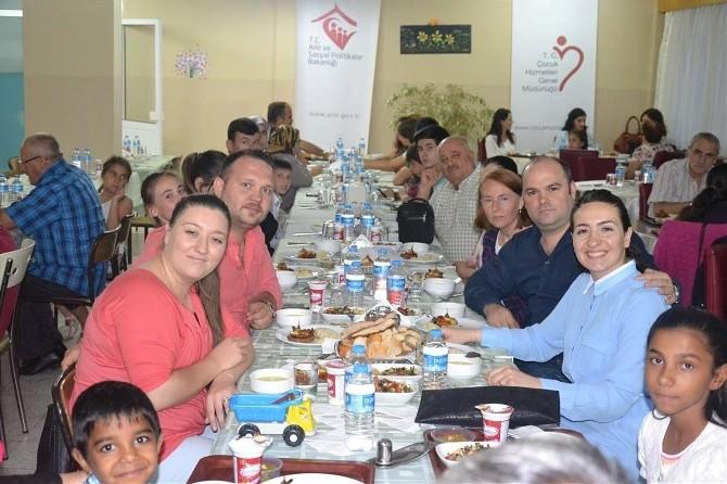 Koruyucu Aileler, İftar Yemeğinde Bir Araya Geldi
