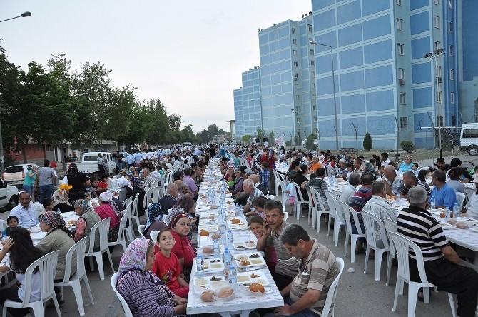 Başkan Çelikcan İftarını Vatandaşlarla Birlikte Açtı