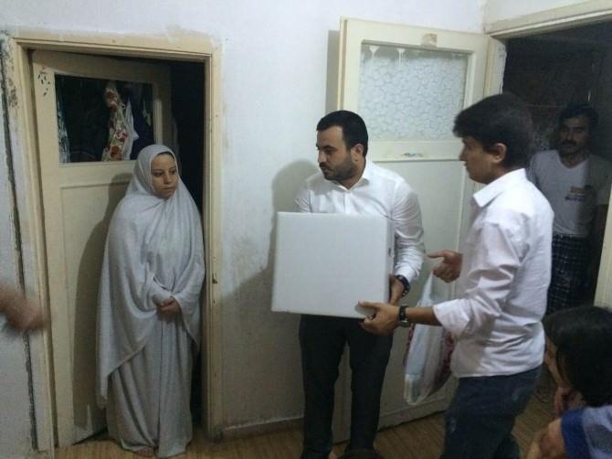 AK Partili Gençlerden Suriyeli Ailelere Yardım