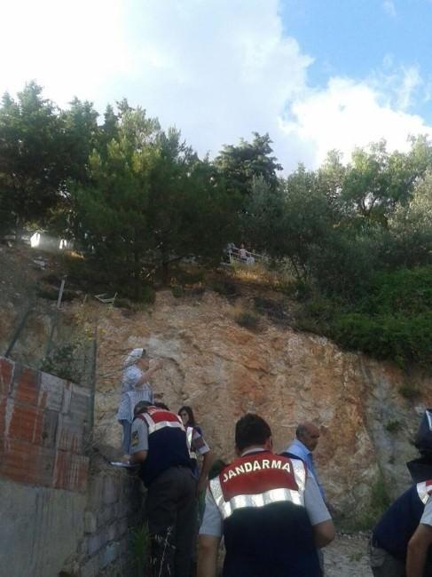 Park Etmek İsterken 10 Metrelik Uçurumdan Düştü