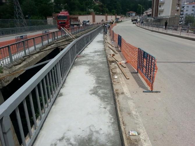 Bilecik Belediyesi Fen İşleri Müdürlüğü Ekiplerinden Mazgal Temizliği