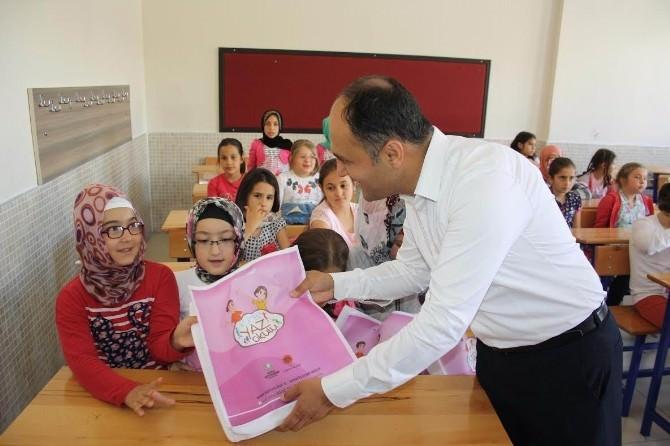 Başkan Özaltun Komek Yaz Okullarını Ziyaret Etti