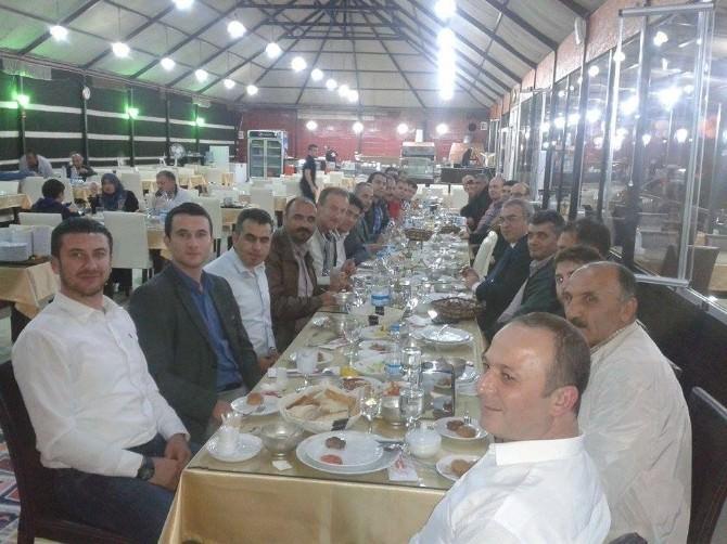 Bozüyük'te Tusiyad Üyeleri İftar Yemeğinde Bir Araya Geldi