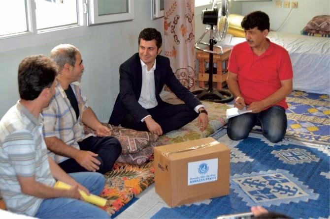 Osmaniye'de Türkmenlere Ramazan Yardımı